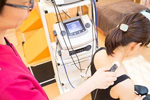 肩から首の電気治療